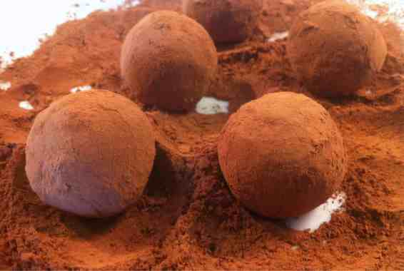 Walnut and biscuit Chocolate Truffles (Troufakia)-2