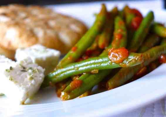 Traditional Greek green beans recipe (Fasolakia)