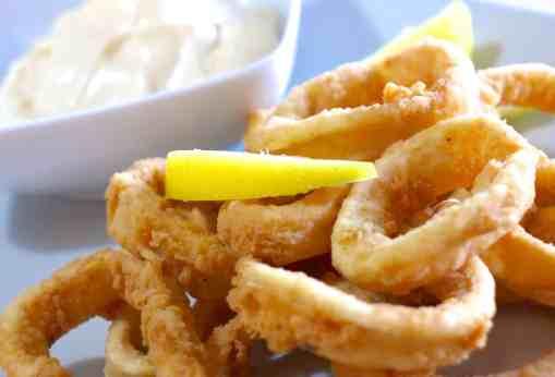 Crispy Fried Squid (Calamari) recipe (Kalamarakia Tiganita)-1