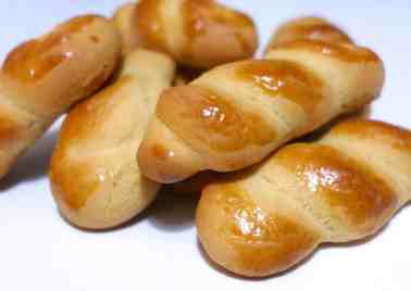 Koulourakia recipe (Greek Easter Cookies)-2