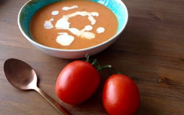 Verse tomatensoep met ballen