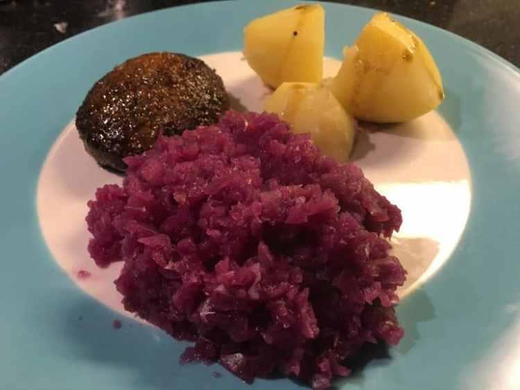 recept_rode_kool_aardappels_vlees-770x578