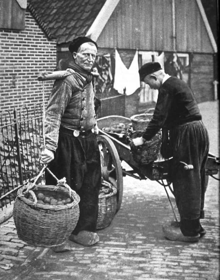 Geschiedenis van de dagelijkse boodschappen: aardappelboer
