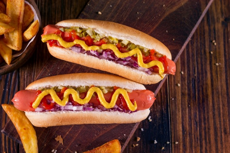 Geschiedenis van beroemde gerechten #11: hamburger en hot dog