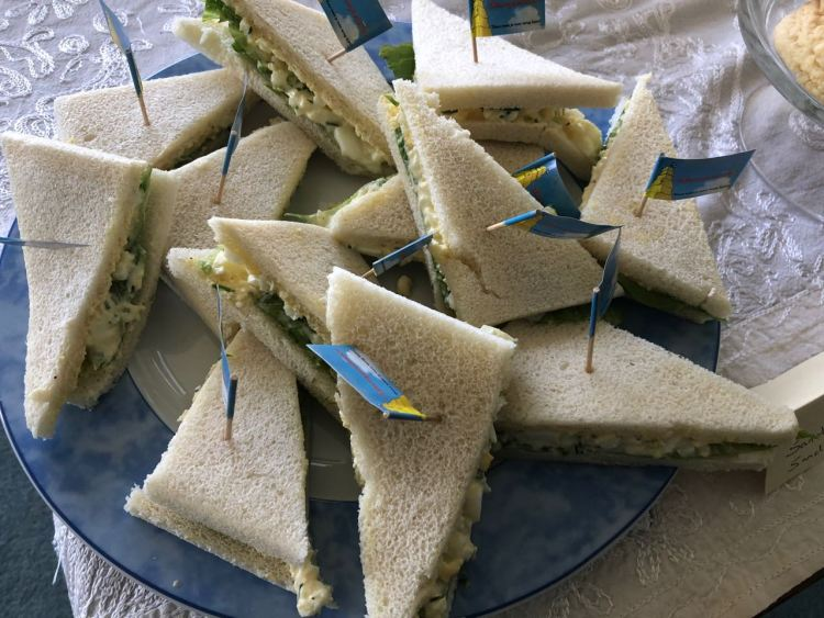 high tea organiseren - sandwiches