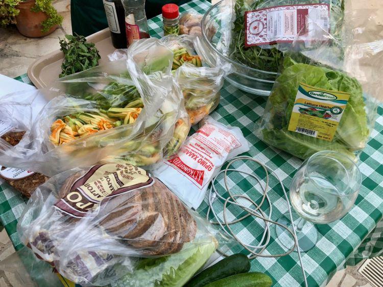 Cypriotische salade met halloumi