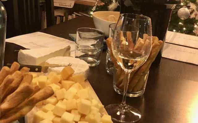 Laagdrempelig en gezellig: wijnproeverij van Wijnklas