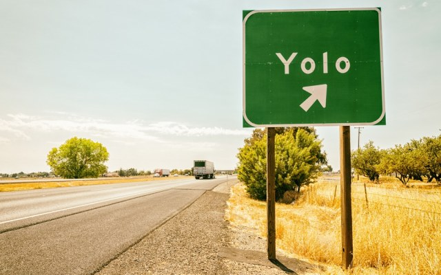 FOMO en YOLO en de druk van Sociale Media