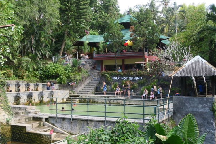 Rondreis Java en Bali - holy springs