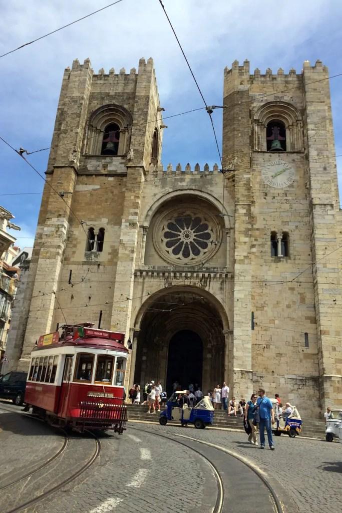 Die Kathedrale Sé de Lisboa ist heute die älteste Kirche in Lissabon