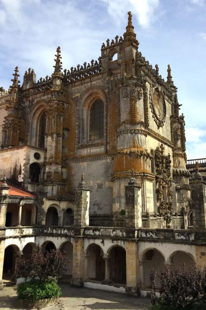 Ganz im Stil der Manuelinik gestaltet: die Kirche der Christusritter
