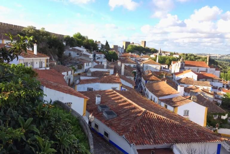 Beim Rundgang über die Stadtmauer hast du einen herrlichen Blick über Obidos