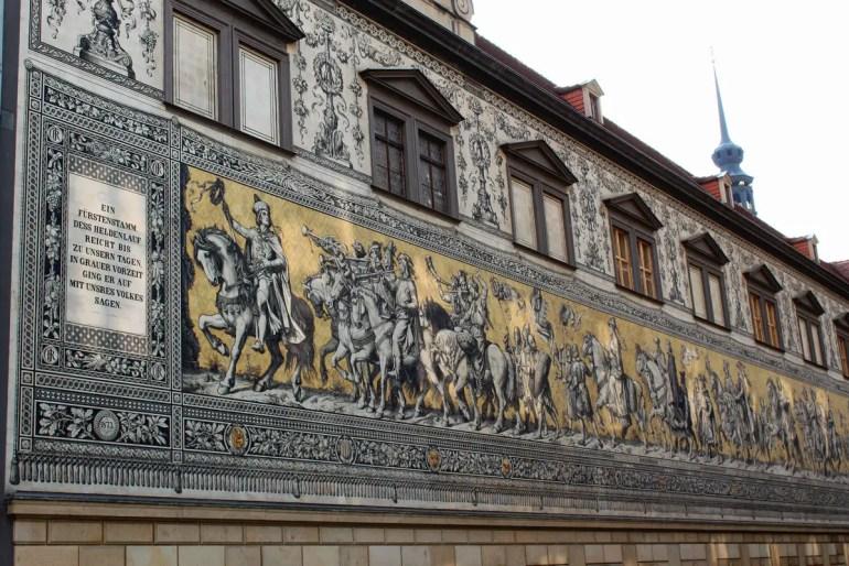 Das größte Porzellangemälde der Welt: Der Dresdner Fürstenzug besteht aus 23.000 Fliesen aus Meißner Porzellan