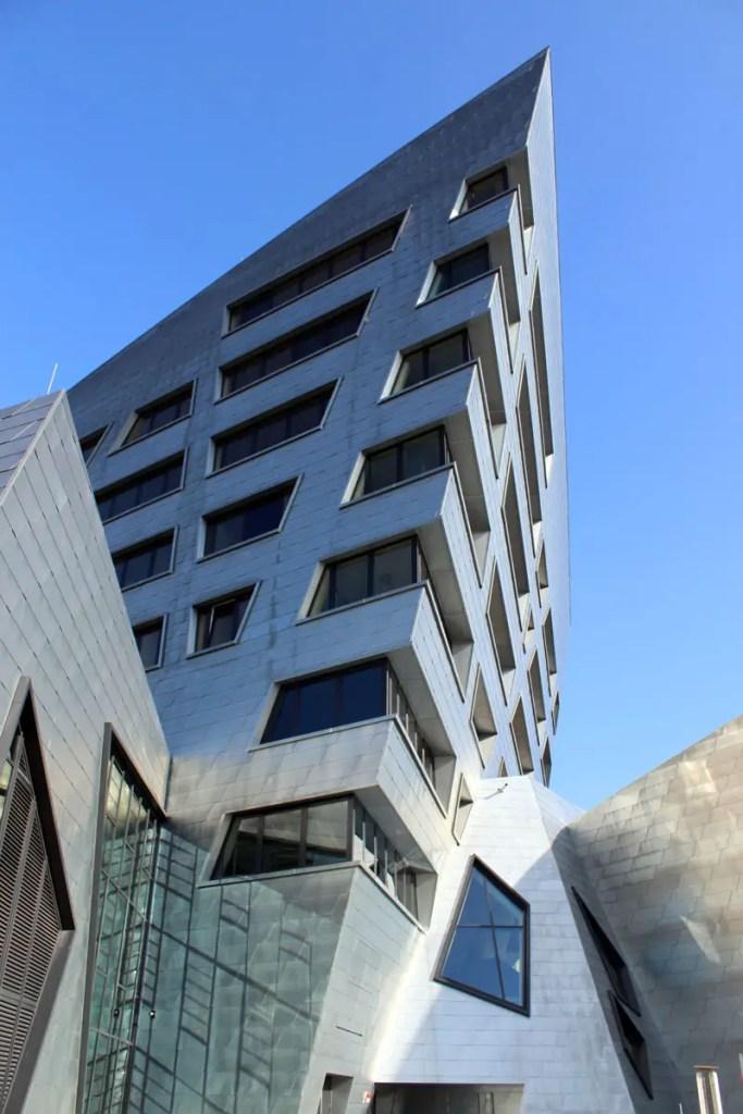 Glitzernde Ausnahme-Architektur von Daniel Libeskind in Lüneburg