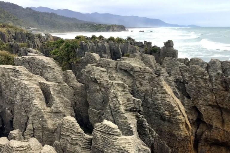 Spektakuläre Kulisse: die übereinander geschichteten Pancake Rocks