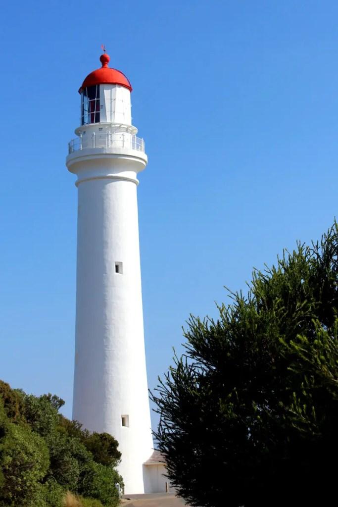 Das Split Point Lighthouse ist einer der sehenswerten Leuchttürme entlang der Great Ocean Road