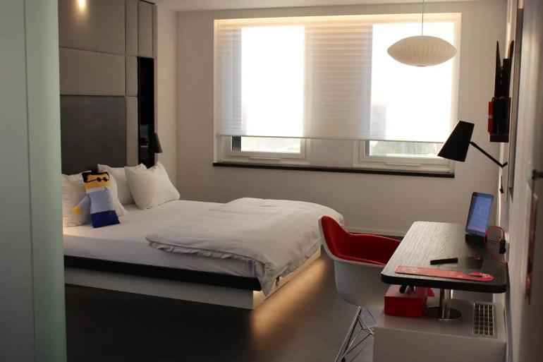 Ausreichend Platz bietet das behindertengerechte Zimmer im citizenM Gare de Lyon