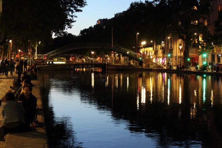 Am Canal Saint Martin ist die Stimmung abends besonders romantisch