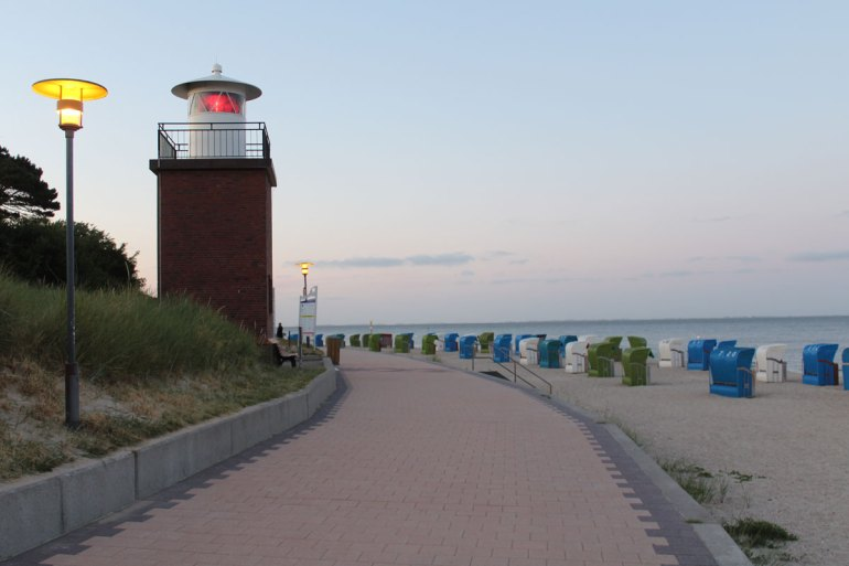 Niedlich: Der Föhrer Leuchtturm Olhörn am Südstrand