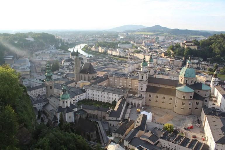 Von der Festung Hohensalzburg hast du einen tollen Ausblick über die Stadt