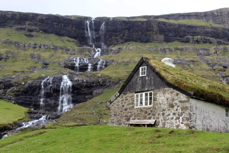 Der Wasserfall in Saksun