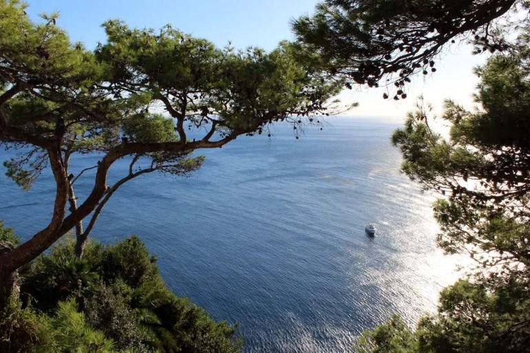 Am Belvedere Tragara bieten sich herrliche Ausblicke aufs Meer