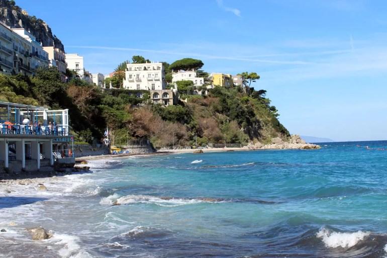 Strände gibt es auf Capri kaum, der größte liegt direkt am Hafen in Marina Grande