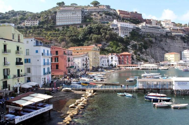 Die Marina Grande von Sorrent ist ein ruhiger Fischerhafen
