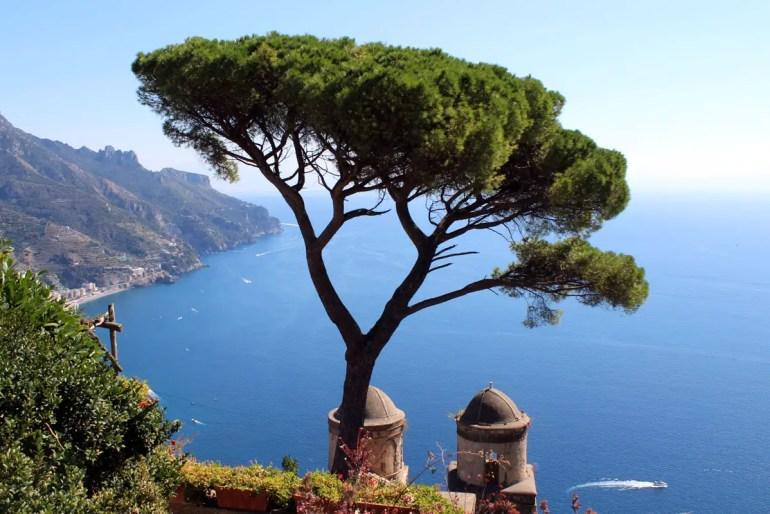 Reiseziele in Europa im Herbst: An der Amalfiküste gibt's atemberaubende Ausblicke