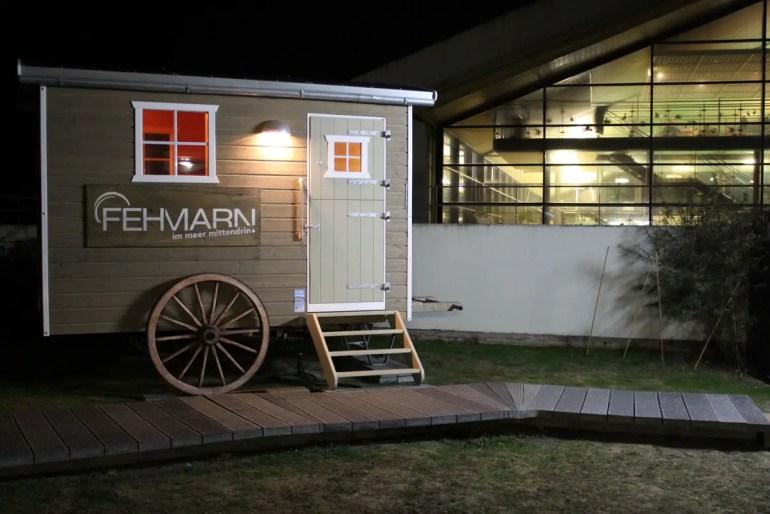Ein Highlight: die Saunawagen im Garten