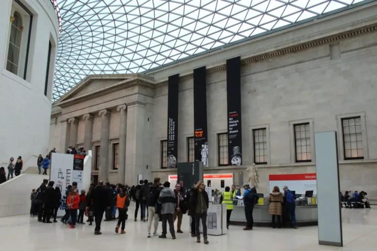 Der nach Entwürfen von Norman Foster überdachte Innenhof vom British Museum