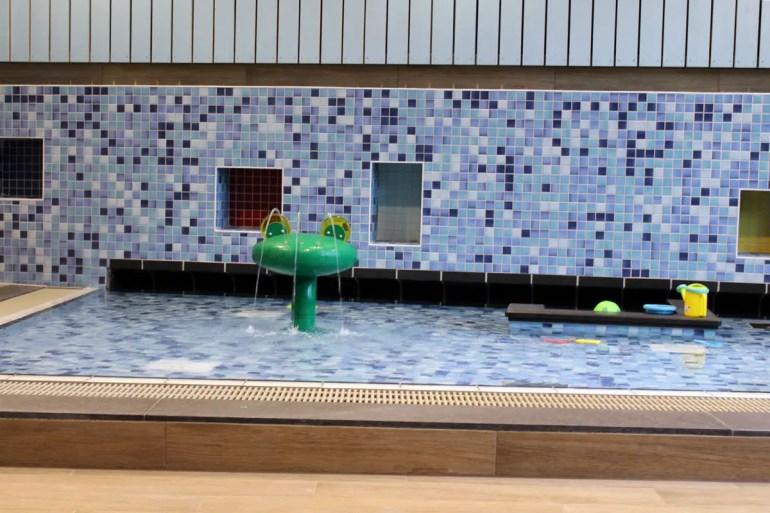 Für die Kids gibt es einen eigenen kleinen Schwimmbereich