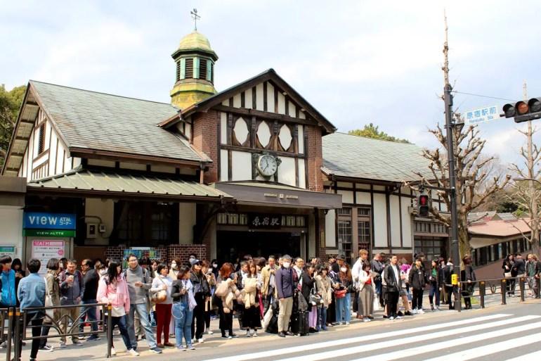 Fast wie in Europa: der Bahnhof von Harajuku