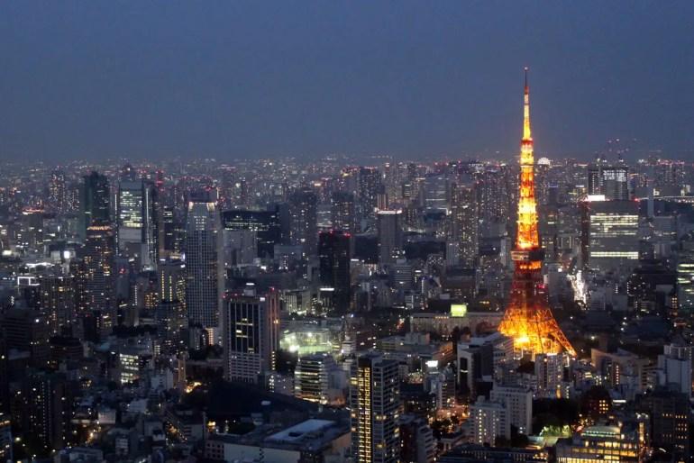 Romantisch: der abendliche Blick über das Tokioter Lichtermeer