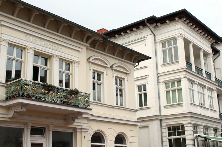 Heringsdorf ist für seine weiße Bäderarchitektur bekannt