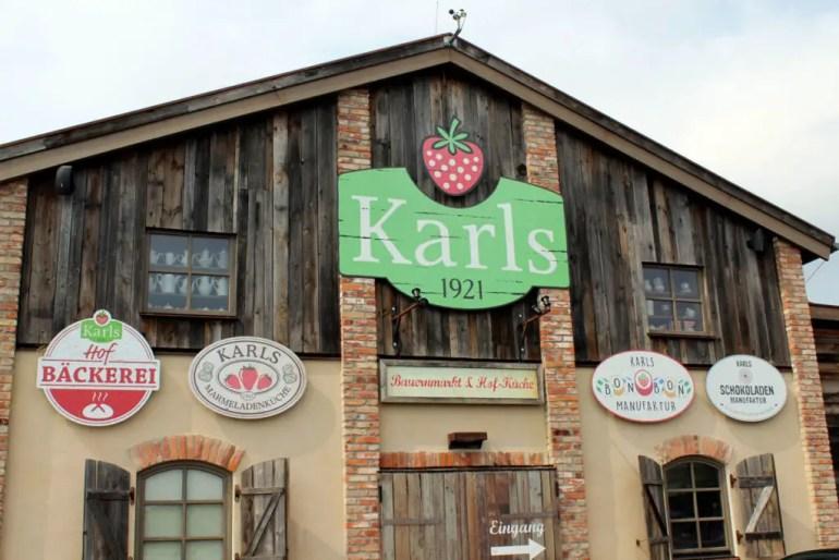 Anziehungspunkt für junge und alte Besucher: Karls Erdbeerhof in Koserow