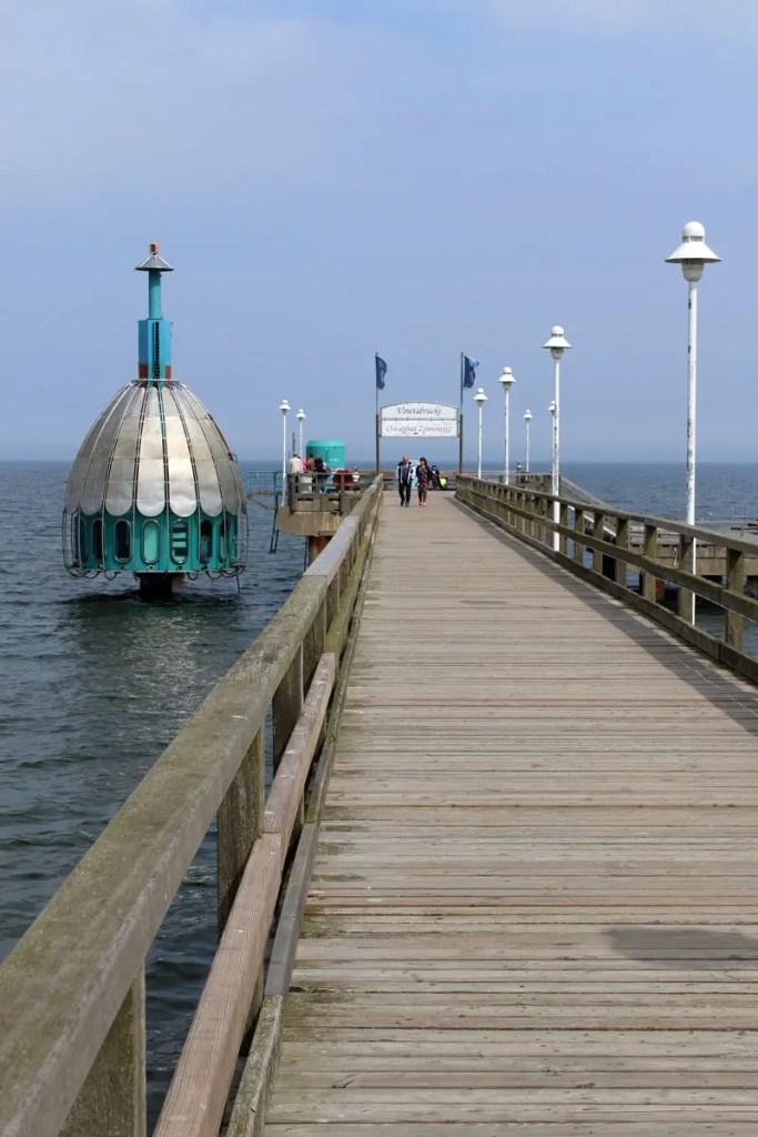 Die Attraktion in Zittowitz: die Tauchgondel an der Seebrücke