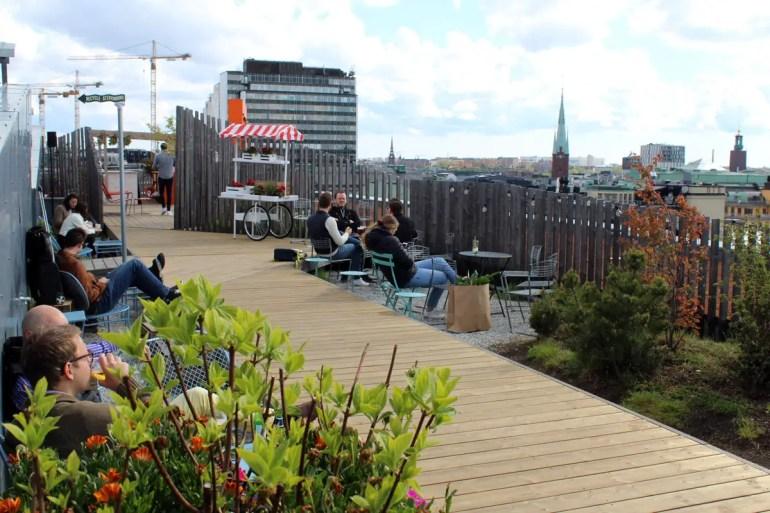 Die perfekte Location für den Sommer: die Dachterrasse Takpark by Urban Deli