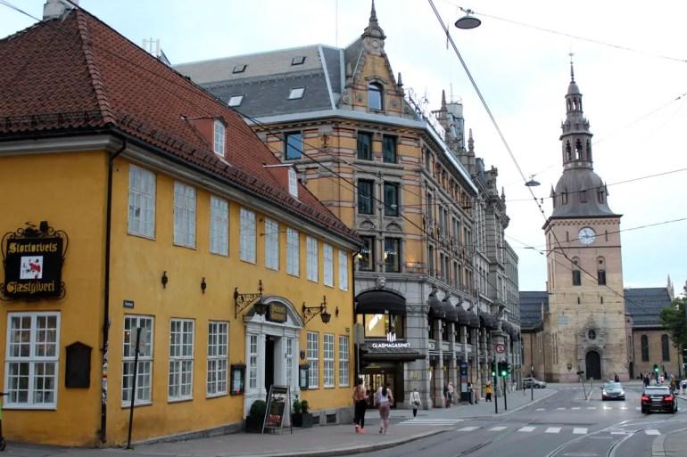 Oslos Dom am Abend