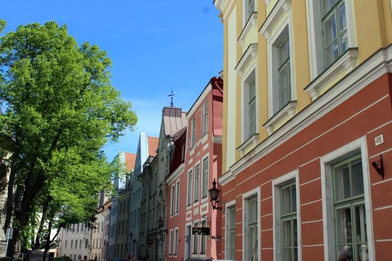 Tallinns Altstadt besticht heute durch die bunten Fassaden