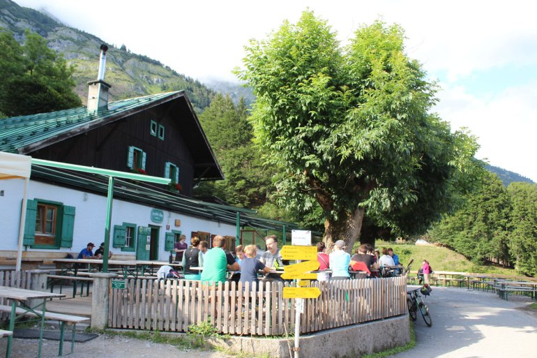 Traditionell: die Arzler Alm