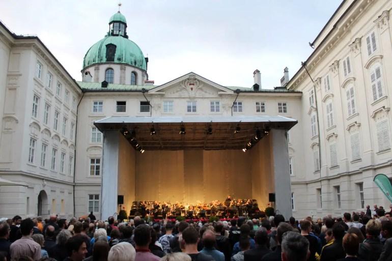 Sommerliche Tradition: die Promenadenkonzerte in der Hofburg