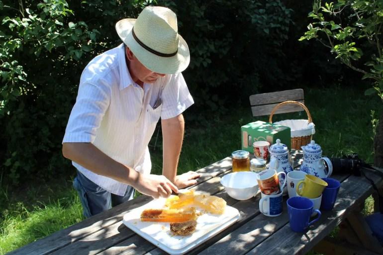 Frisch geerntet: Honig im Freilichtmuseum Mueß