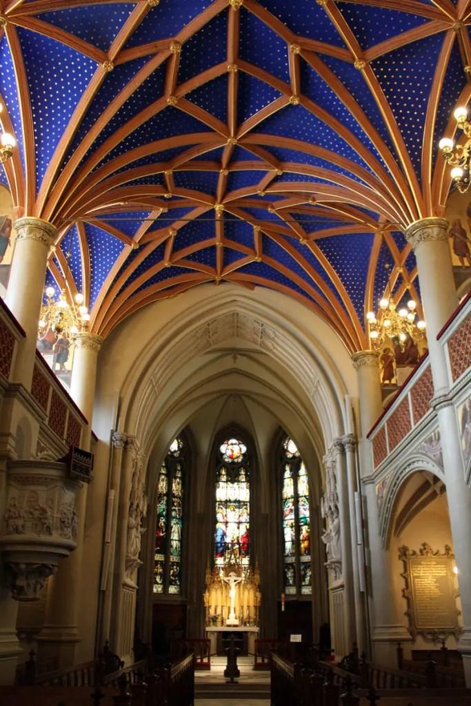 Der Hingucker in der Schweriner Schlosskirche ist der Sternenhimmel