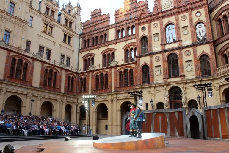 Tolle Kulisse für die Schweriner Schlossfestspiele: der Innenhof des Schlosses