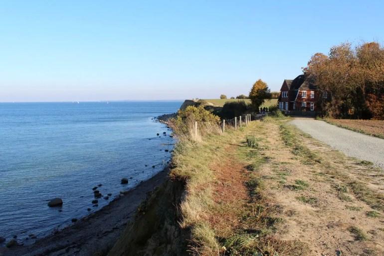 Das Brodtener Steilufer bietet unberührte Natur mit Panoramablick