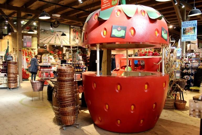 In Rövershagen steht auch die Ur-Erdbeere