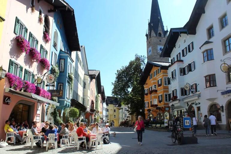 Kitzbühels Vorderstadt ist bunt