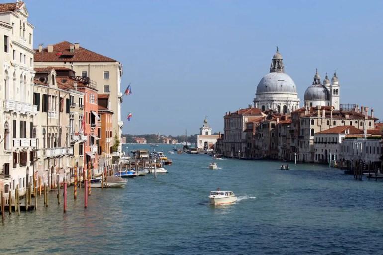Von der Academia-Brücke hast du einen tollen Blick auf den Canale Grande