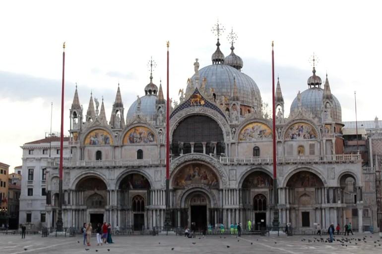 Eines der Wahrzeichen von Venedig: der Markusdom